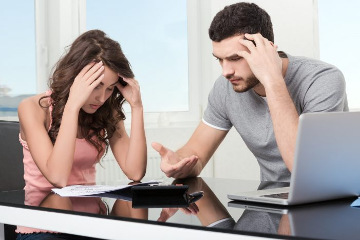 Fix My Credit - Couple having financial problem